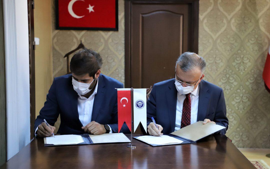 (KÜSİ) Kamu Üniversite Sanayi (AR-GE) işbirliği kapsamında Üniversitemiz ve Erzincan Bc Fiber Optik San. ve Tic.A.Ş arasında işbirliği protokolü imzalandı.
